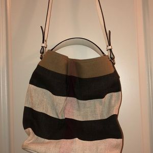Burberry bucket bag